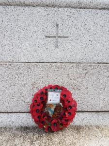 2016: the British Legion left a wreath.